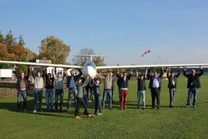 """Unsere Jugendgruppe mit Bürgermeister und einigen """"älteren"""" Mitgliedern bei der Taufe unseres Discus CS"""
