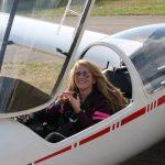 Emilie fliegt allein