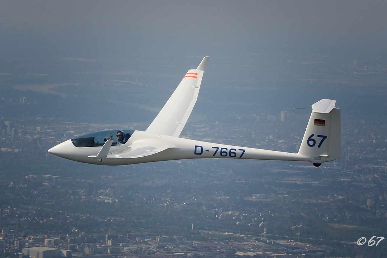 Zwei Grefrather Segelflieger fliegen an die Weltspitze