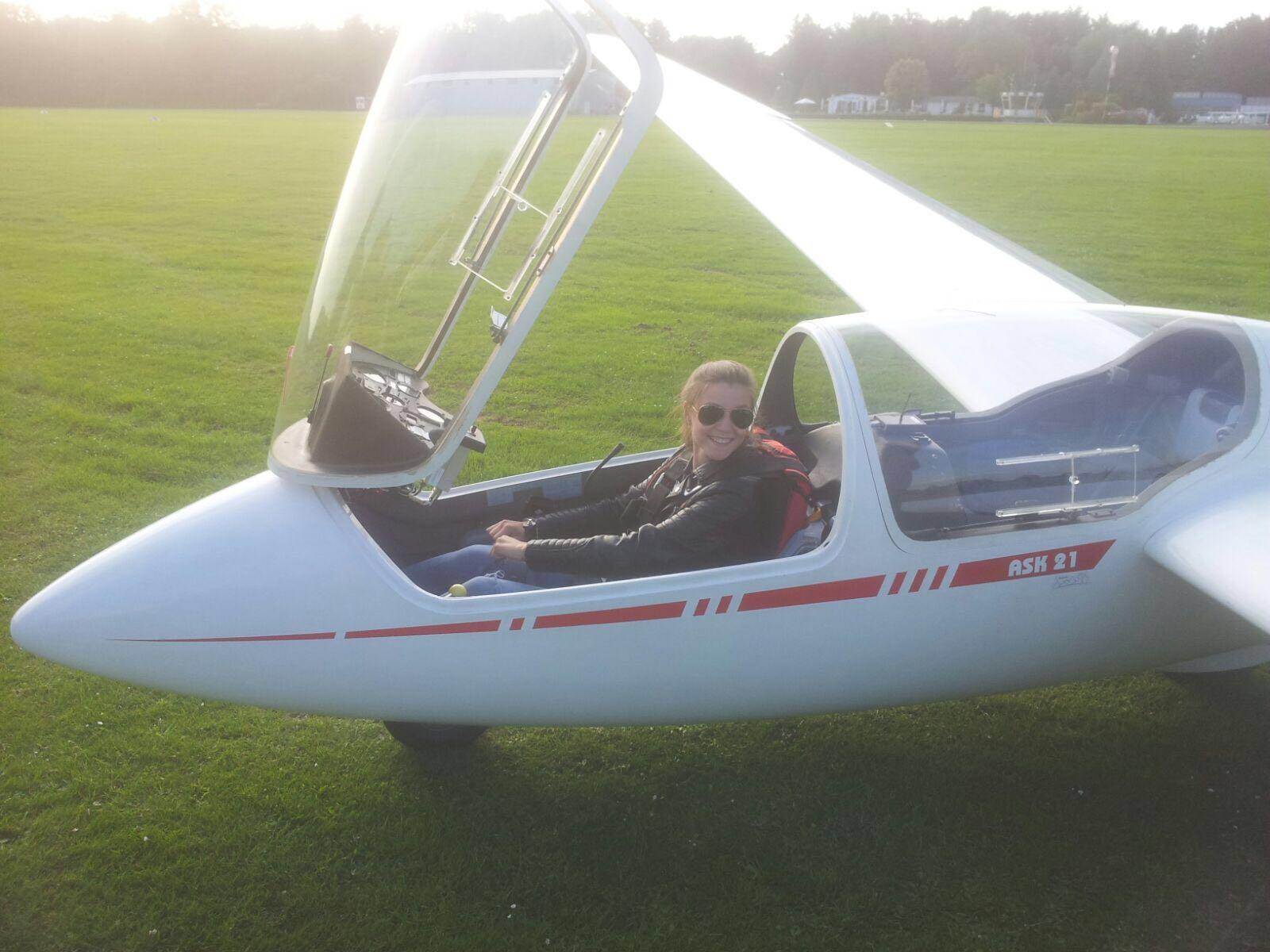 Anna meistert ihren ersten Alleinflug!
