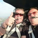 Hans fliegt zum ersten Mal